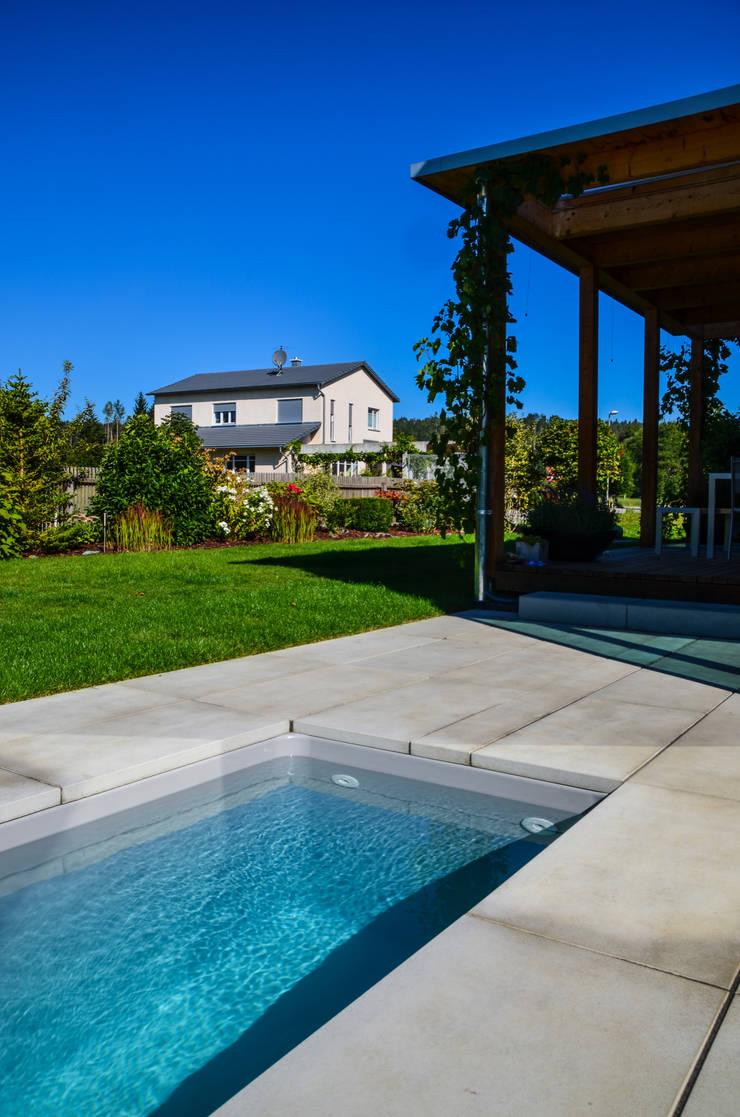 Meersalzwasser-Tauchbecken / Minipool @wat:   von design@garten - Alfred Hart -  Design Gartenhaus und Balkonschraenke aus Augsburg,Minimalistisch