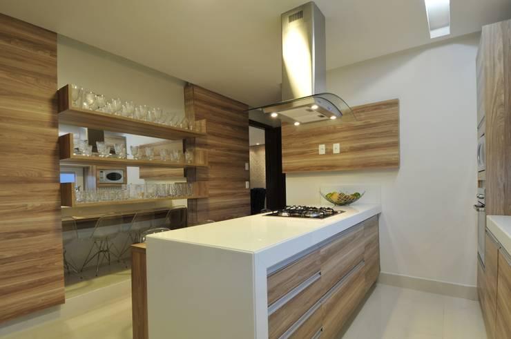 Küche von Espaço Cypriana Pinheiro