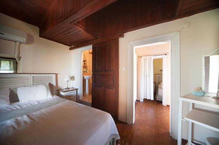 ARAL TATİLÇİFTLİĞİ – Karakız: modern tarz Yatak Odası