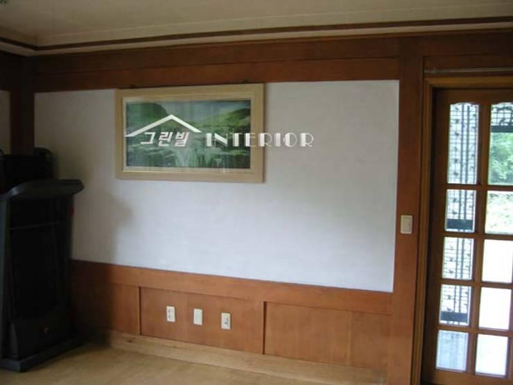 양평 전원주택 : 그린빌인테리어의  거실
