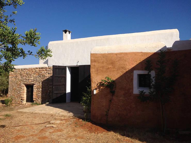 Casas de estilo rústico por Ivan Torres Architects