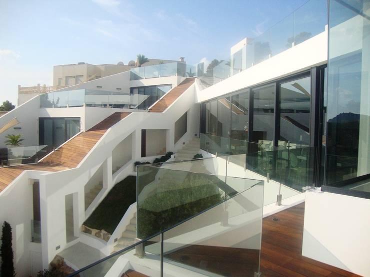 Casas de estilo  por Ivan Torres Architects