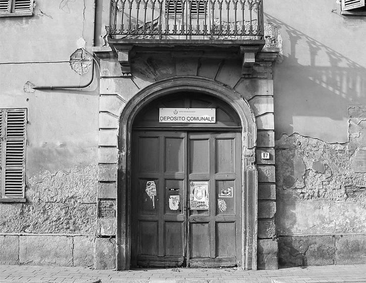 """Ristrutturazione edilizia, restauro e risanamento conservativo del complesso della """"VILLA GAY di QUARTI"""" a Grugliasco (Torino):  in stile {:asian=>""""asiatico"""", :classic=>""""classico"""", :colonial=>""""coloniale"""", :country=>""""In stile Country"""", :eclectic=>""""eclettico"""", :industrial=>""""industriale"""", :mediterranean=>""""mediterraneo"""", :minimalist=>""""minimalista"""", :modern=>""""moderno"""", :rustic=>""""rustico"""", :scandinavian=>""""scandinavo"""", :tropical=>""""tropicale""""} di ArTech Studio architetti,"""