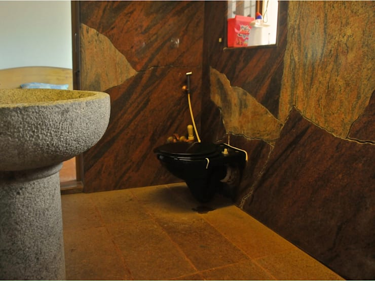 Residence at Bandra:  Bathroom by Design Kkarma (India)