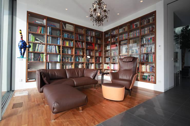 Anwesen in Freising:  Wohnzimmer von Herzog-Architektur
