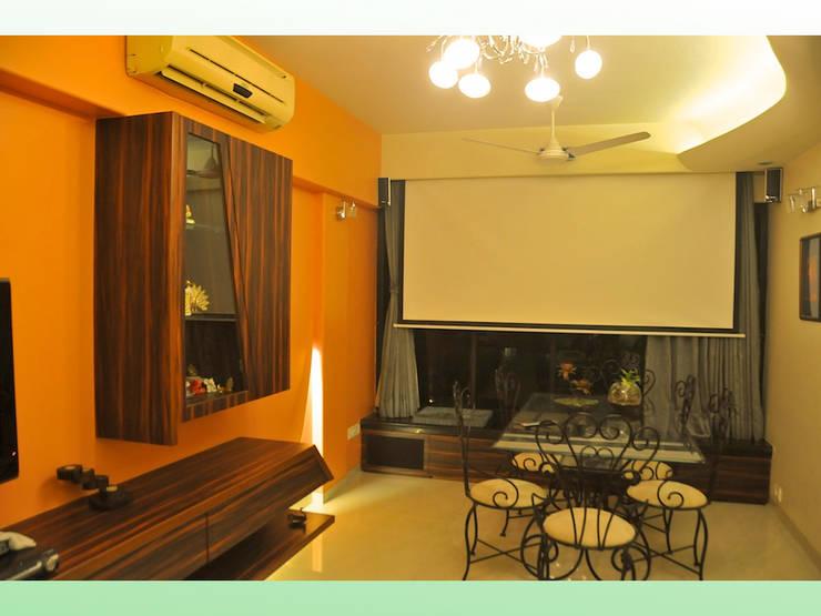 Residence in Lokhandwala: modern Living room by Design Kkarma (India)