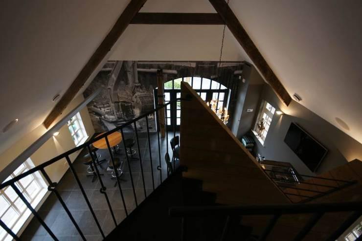 renovatie bijgebouw:   door KleurInKleur interieur & architectuur, Landelijk