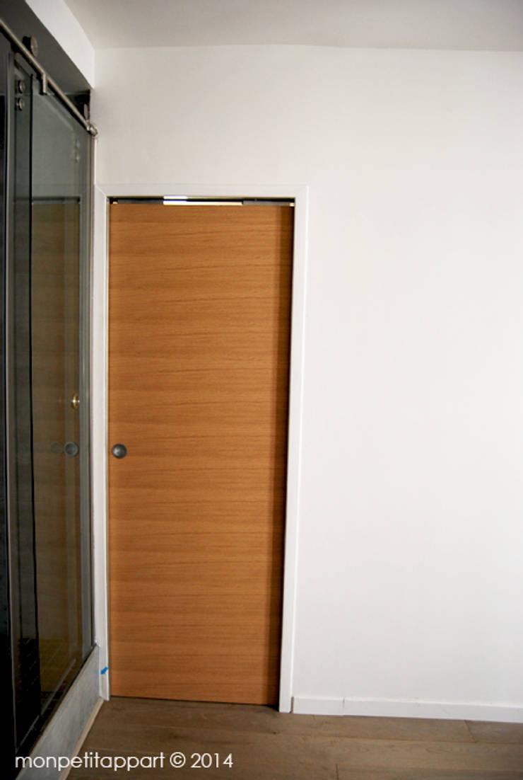 La Porte De La chambre  Fermée:  de style  par monpetitappart
