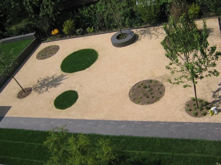 Bouleplatz:  Garten von Katrin Lesser,