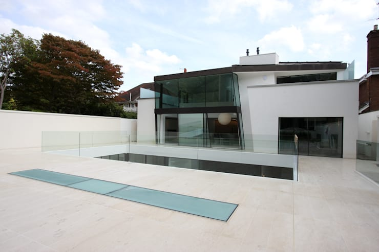 Sheldon Avenue 2 'The Hampstead House':  Windows  by IQ Glass UK
