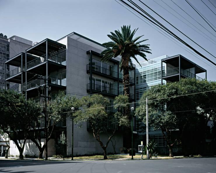 Shakespeare 44:  de estilo  por Central de Arquitectura