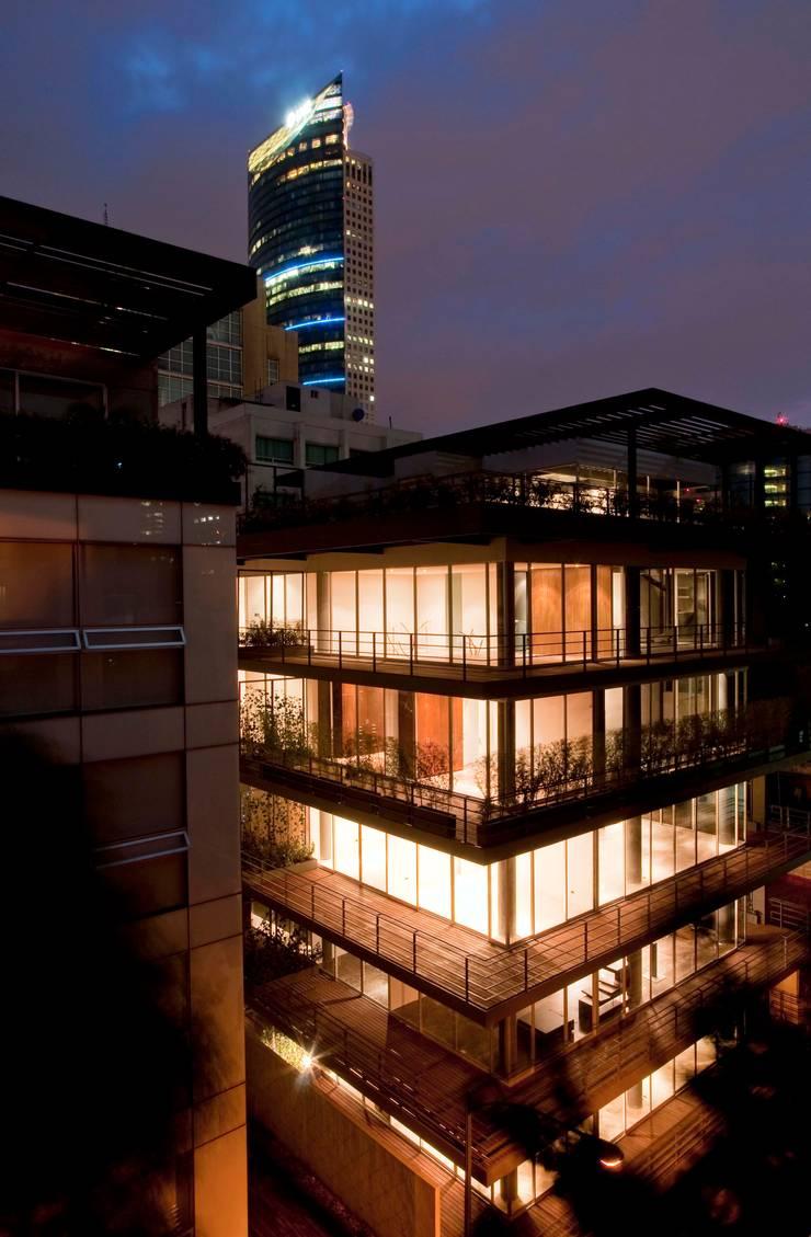 Dublin 25:  de estilo  por Central de Arquitectura