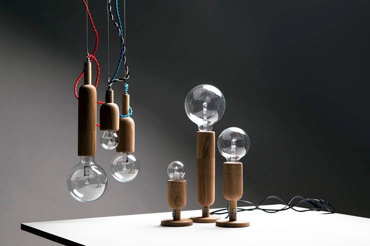 Línea Vella: Livings de estilo  por Mags Design