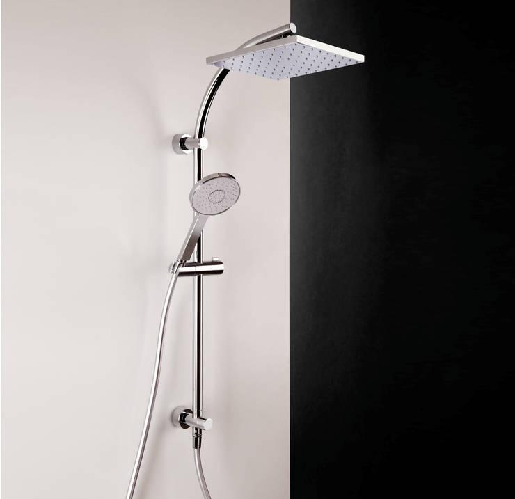 Bonomi Bonny - Colonna doccia con deviatore e erogatore quadrato : Bagno in stile  di Bonomi Contemporaneo Italiano