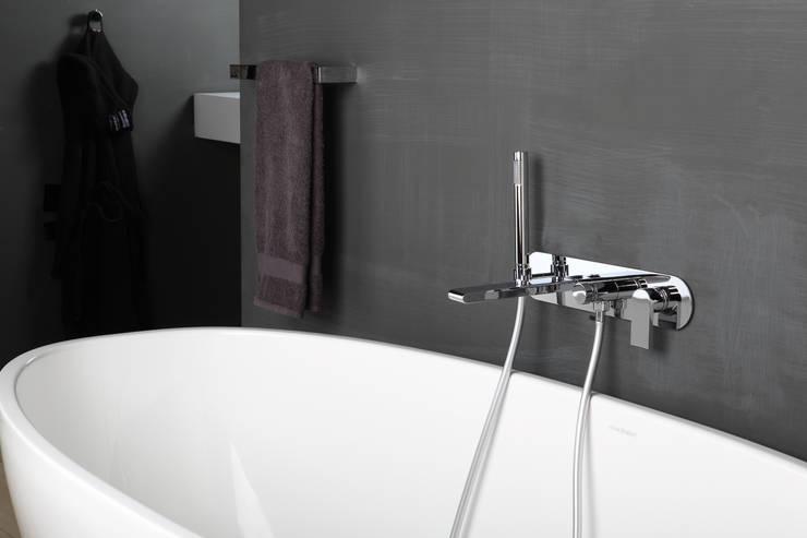 Bonomi Bonny - Miscelatore vasca da incasso a parete : Bagno in stile  di Bonomi Contemporaneo Italiano