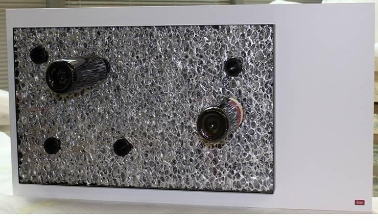 Esigo 6, un'opera d'arte dedicata al vino: Soggiorno in stile  di Esigo SRL,