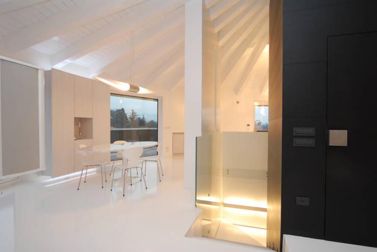 Area da pranzo di Carlo Beltramelli Interior Designer Moderno