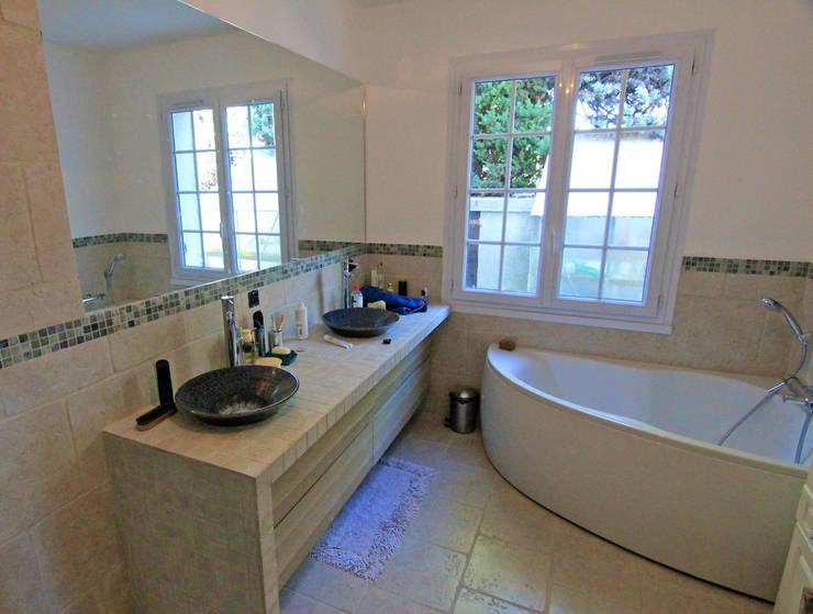 Salle bain: Piscines  de style  par Agence Forvieux Architecture