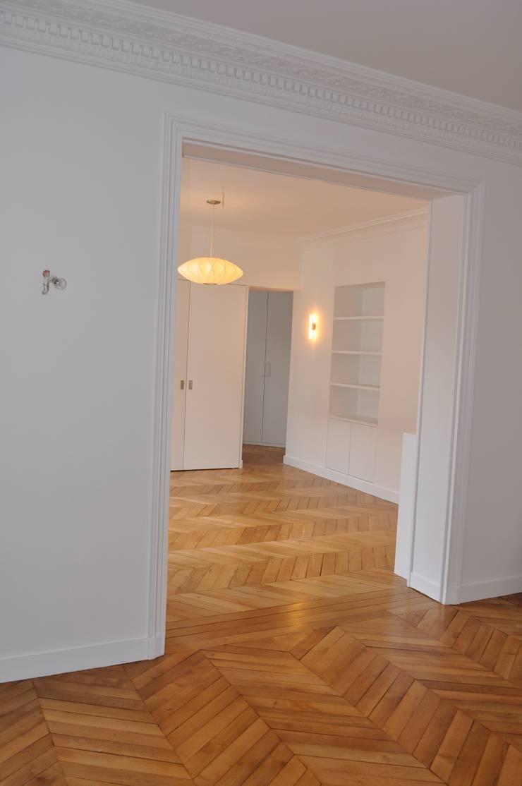 Appartement PVP, Paris 17e:  de style  par Just'in