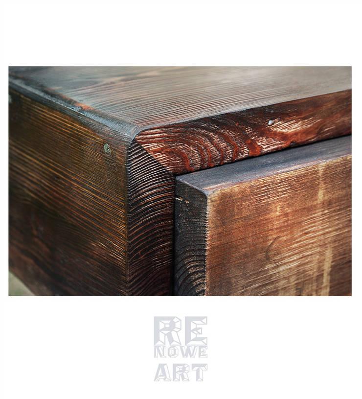 Sosnowe biurko ze stalowymi nogami: styl , w kategorii Domowe biuro i gabinet zaprojektowany przez ReNowe Art,