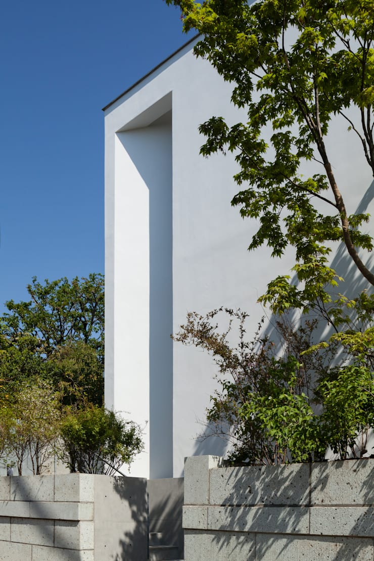House for green,breeze and light: Yaita and Associaesが手掛けた家です。