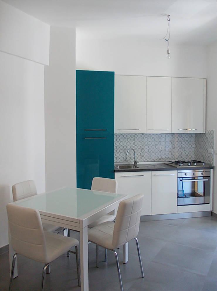 Cucina:  in stile  di Studio tecnico associato 'Il Progetto'