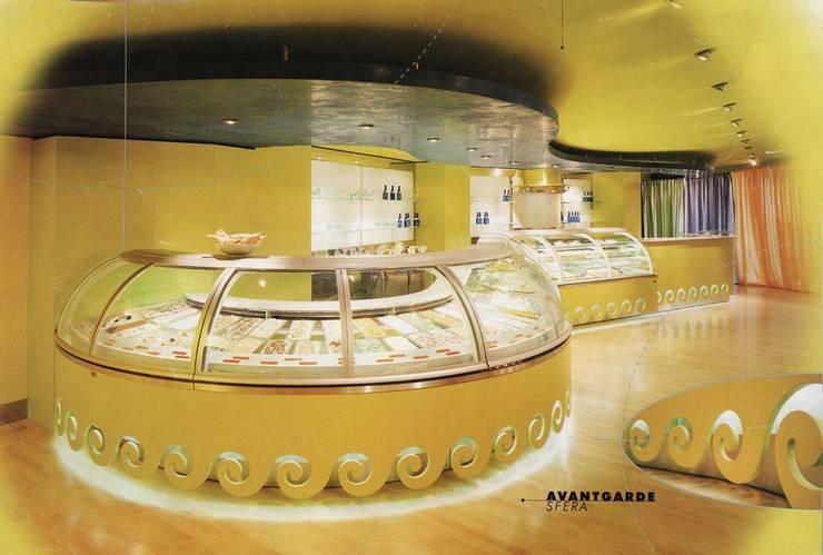 SFERA - Avantgarde Collection - ISA spa: Negozi & Locali Commerciali in stile  di alessandromarchelli+designers AM+D studio,