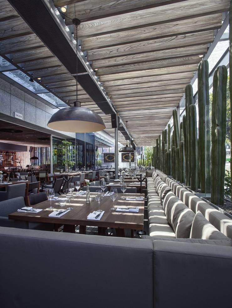 Sonora Grill Prime Insurgentes:  de estilo  por Central de Arquitectura