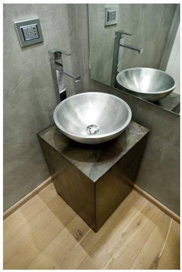 NUOVO LIBRO DELLE IDEE: Bagno in stile  di Edmo S.r.l.,
