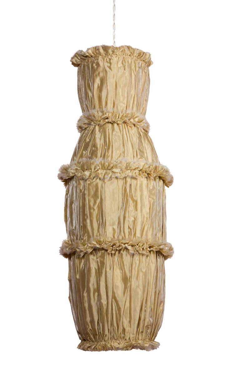 Aurum: Soggiorno in stile  di Lamp Couture