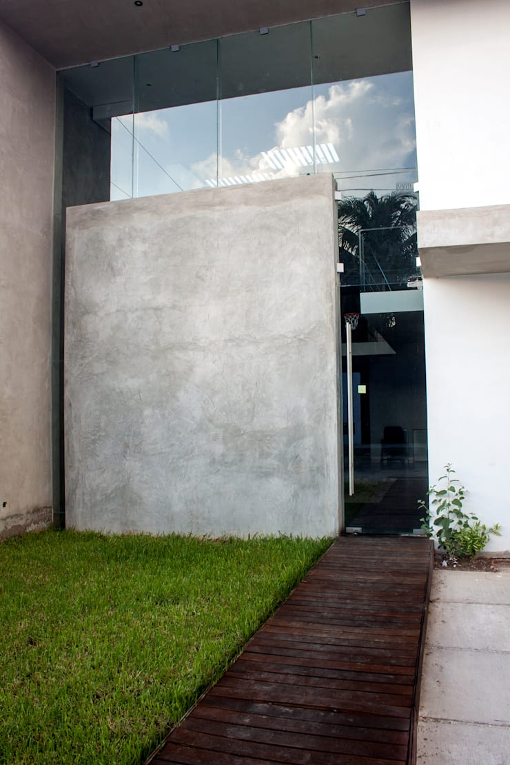 modern  by Desnivel Arquitectos, Modern