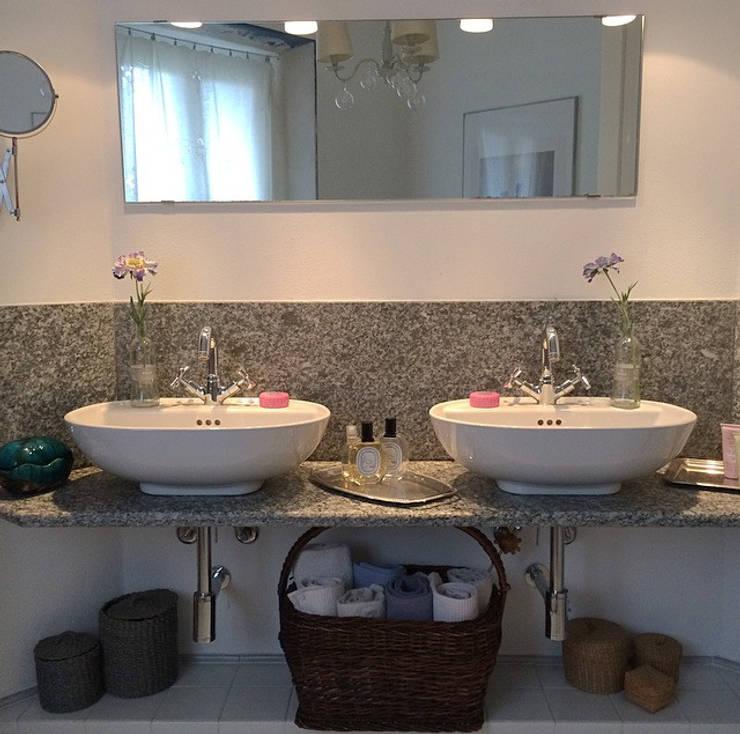 Bagno: Bagno in stile In stile Country di Arch. Silvana Citterio