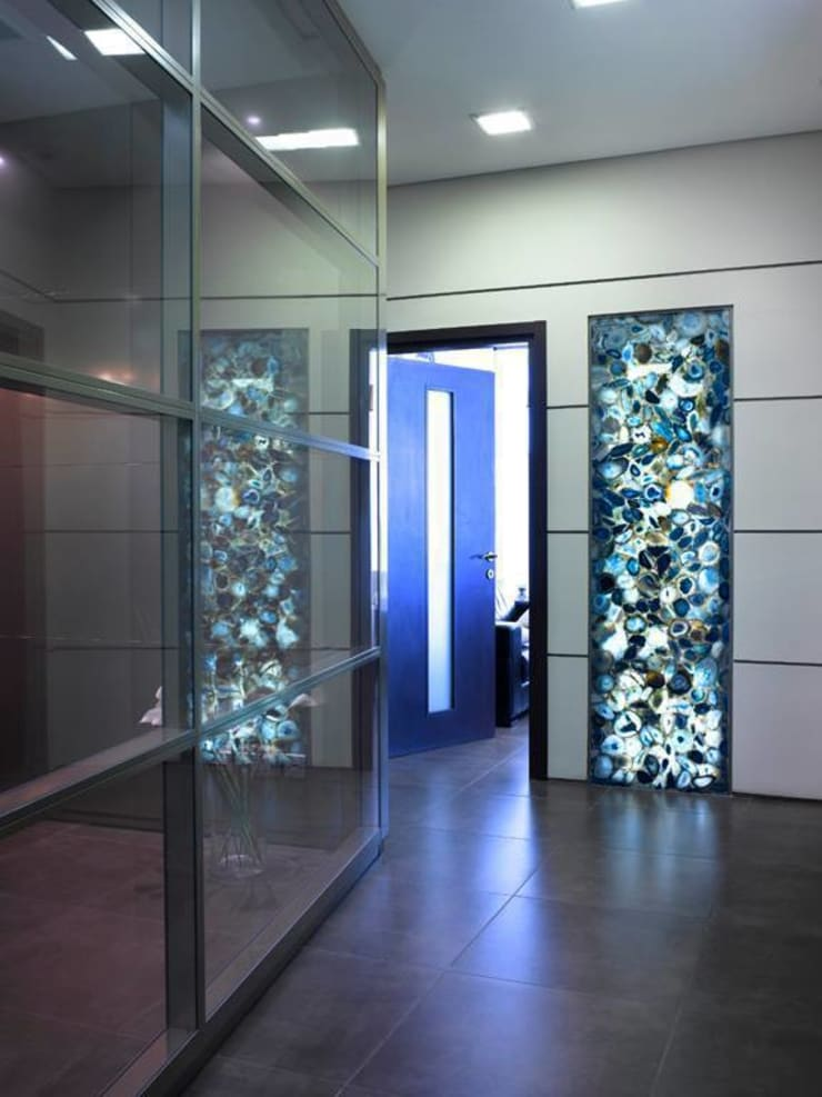 Blue Agate Wall Panel:  Walls & flooring by Stonesmiths - Redefining Stone-Age
