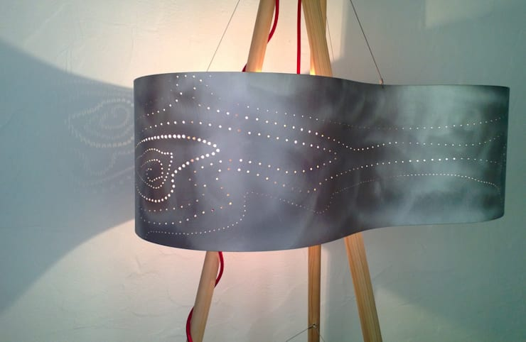 Tepee lamp' !: Salon de style de style Moderne par elsa somano objets lumineux