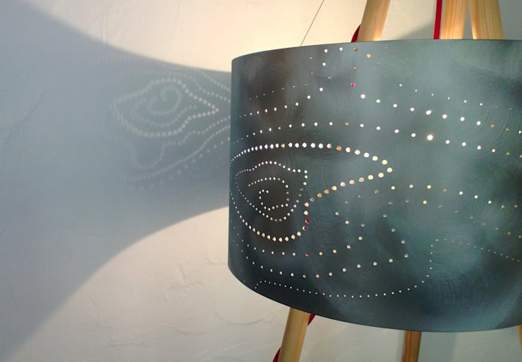 Tepee lamp ' !: Salon de style  par elsa somano objets lumineux