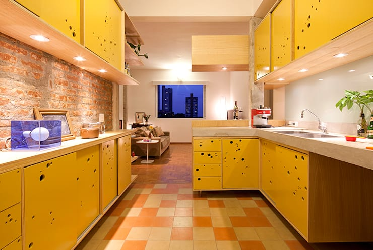 Kitchen by Zoom Urbanismo Arquitetura e Design