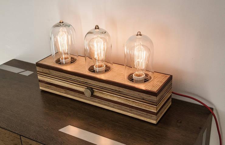 Tube Light: Salon de style de style eclectique par Lenka créations