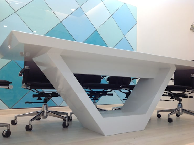 office at mumbai:  Study/office by Design Ecovation