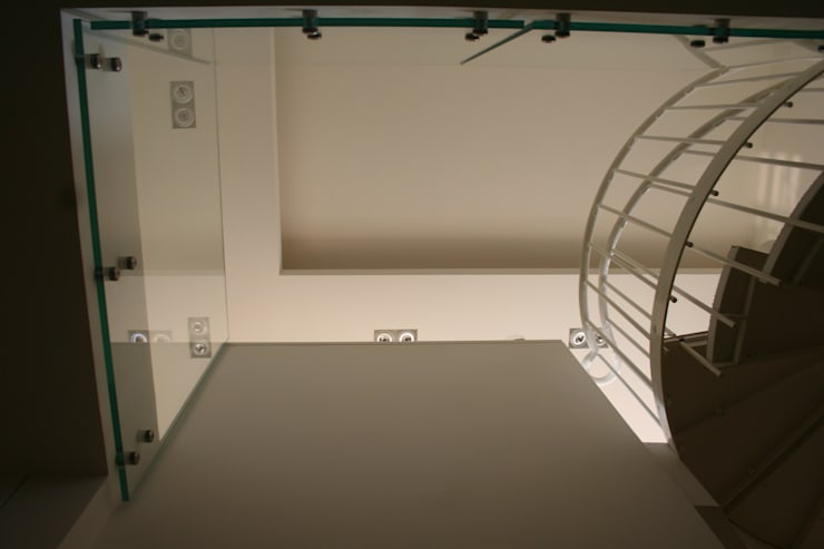 Attico Panoramico: Case in stile  di Officina s.r.l.,