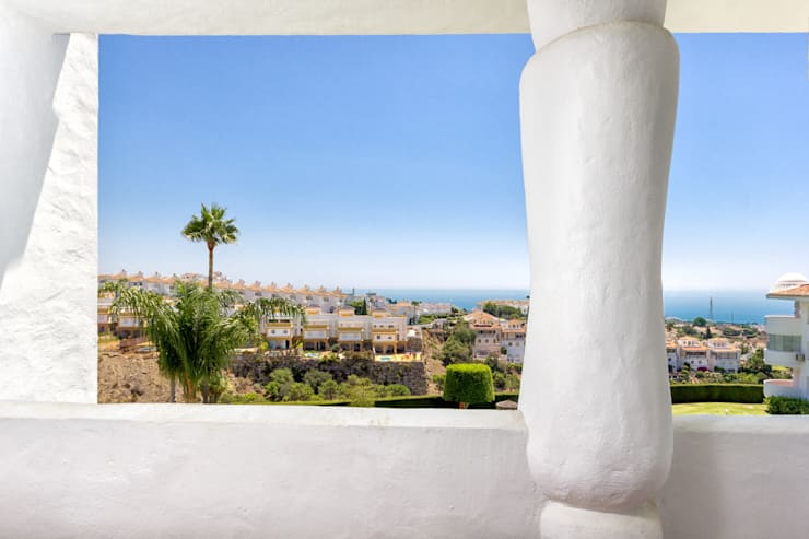 terrace views: Casas de estilo  de Espacios y Luz Fotografía