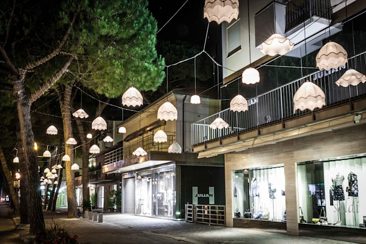 LUZ: Giardino in stile  di Studio Baldoni Marika