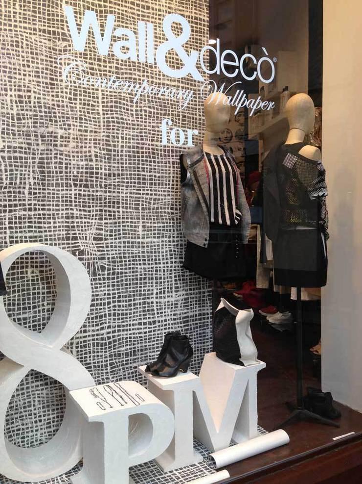 VETRINA: Negozi & Locali Commerciali in stile  di Studio Baldoni Marika