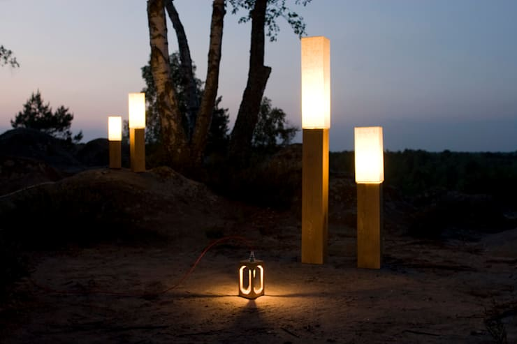 Luminaires blumen, Lampe Cubitto + Lantern bois massif: Maison de style  par Blumen