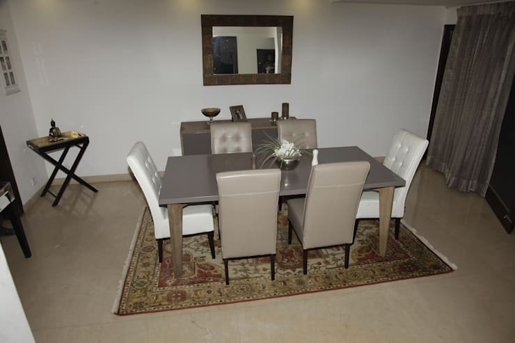 HMW 2004 ME - Hand Knotted Rug:  Dining room by WORLD OF DESIGNS