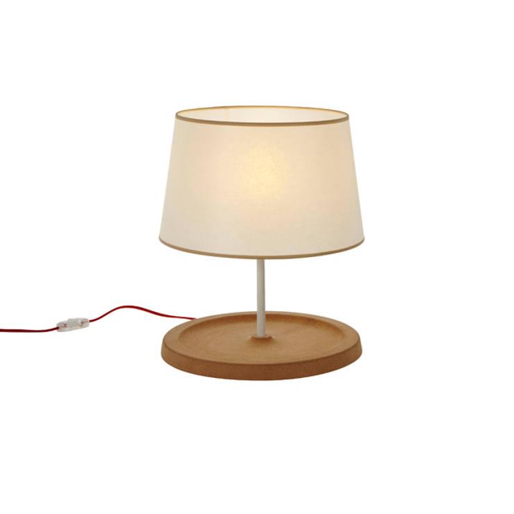 Cork lampe design Emmanuel Gallina pour Forestier:  de style  par Emmanuel Gallina