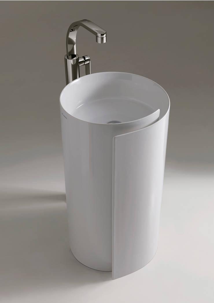 Monoroll - Design Nendo:  in stile  di Ceramica Flaminia, Moderno