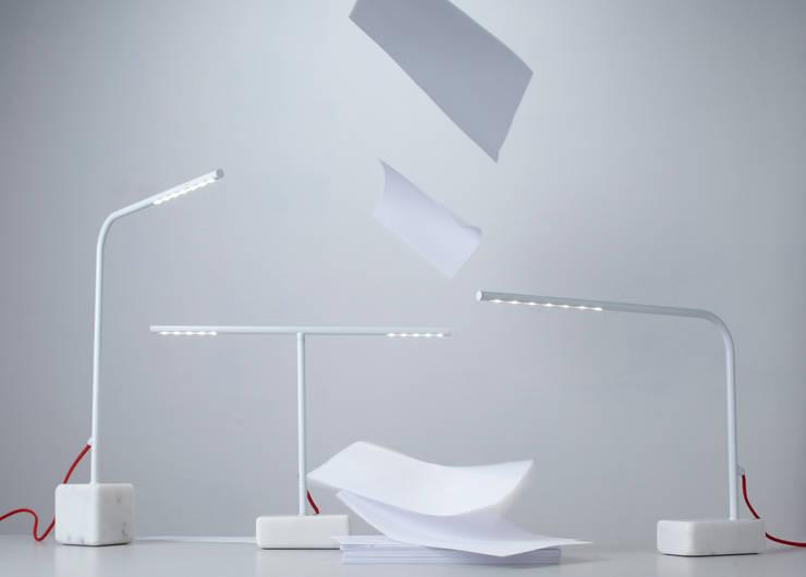 BIRDY, design Emmanuel Gallina, collection de luminaires à led pour Forestier.:  de style  par Emmanuel Gallina