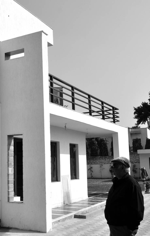 Chattarpur  Farm House — Mehrauli  Delhi (Completed February 2013):   by Horizon Design Studio Pvt Ltd