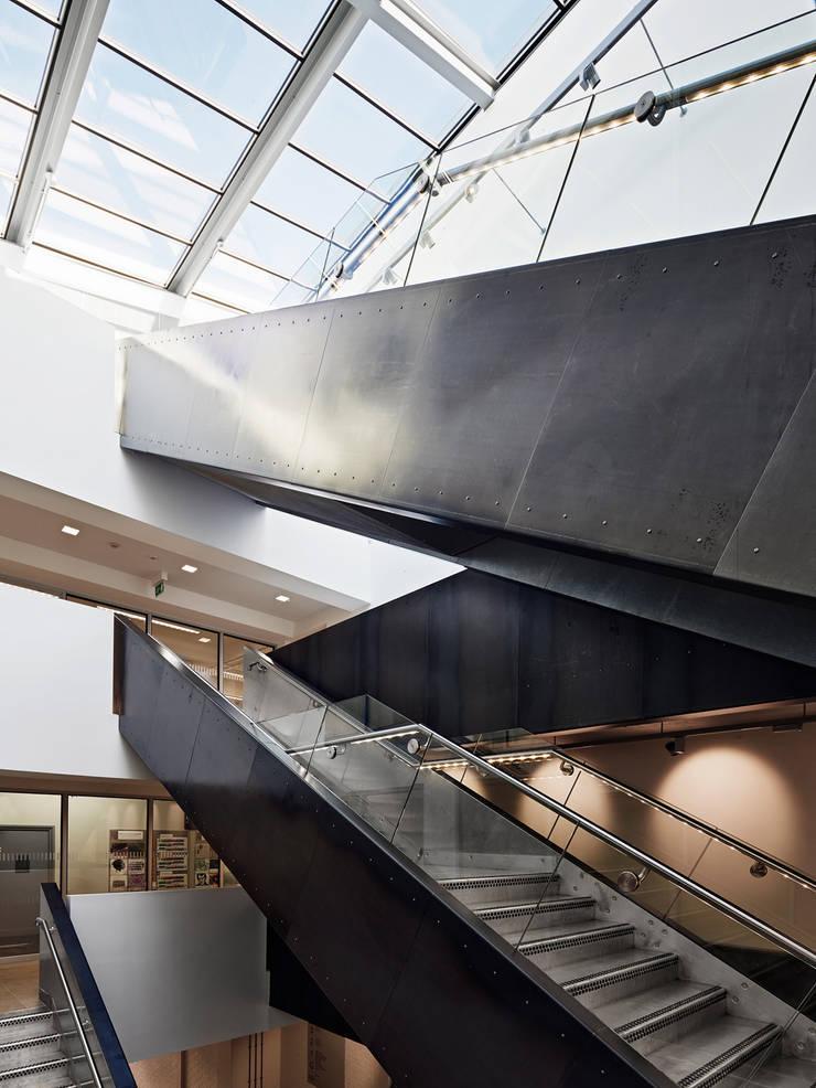 The Guntons Atrium:   by Hudson Architects