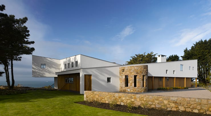 Jersey House : modern Houses by Hudson Architects